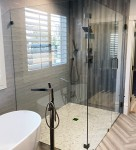 LD Glass Co_Frameless Shower Doors_8819